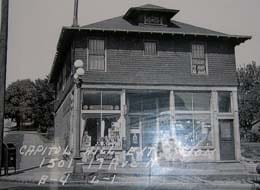 The Volunteer Park Grocery, circa 1938 (Image: Puget Sound Regional Archives)