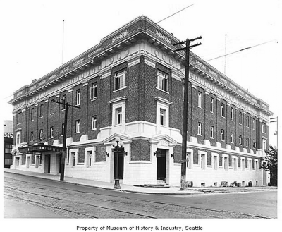 What did the old Masonic Temple look like in 1916? (Image: MOHAI)