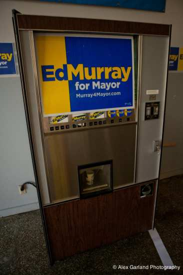At Murray's E Pike campaign headquarters. Is Murray a vote machine? We'll see come the August primary (Image: CHS)