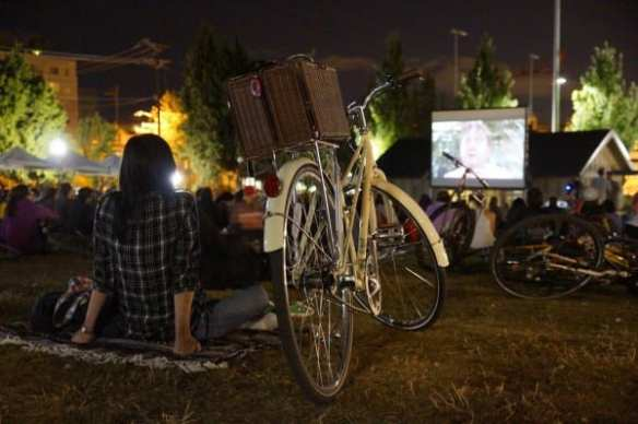 Here's a scene from Saturday night's annual Bike-In movie in Cal Anderson -- that only went off a *little* later than planned. More images from the weekend's fun soon (Image: Kevin Barrett for CHS)