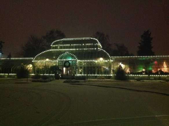The Volunteer Park Conservatory early Friday morning -- sent in by Wenjun Chen