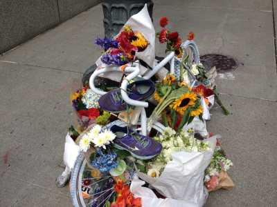 "A memorial ""Ghost Bike"" left near the intersection where Kung was struck and killed (Image: CHS)"