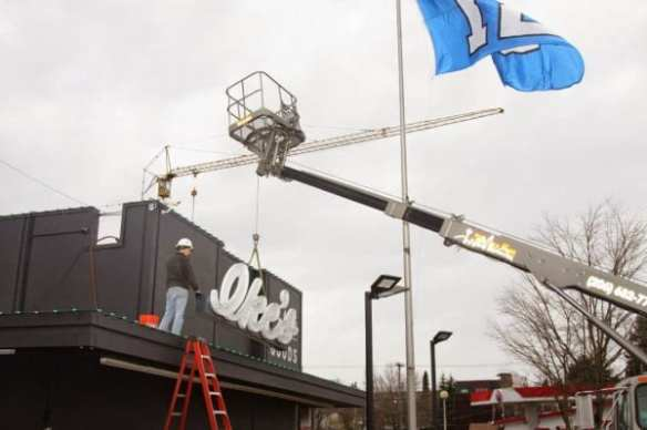 A sign of pot's maturing presence around central Seattle, Uncle Ike's gets an upgrade (Photo: CHS)