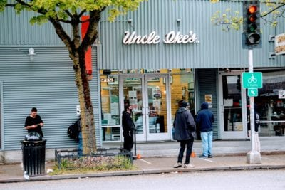 Uncle Ike's 15th Ave E