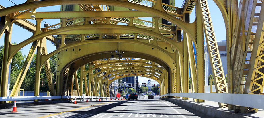 Featured Image of the Tower Bridge in downtown Sacramento