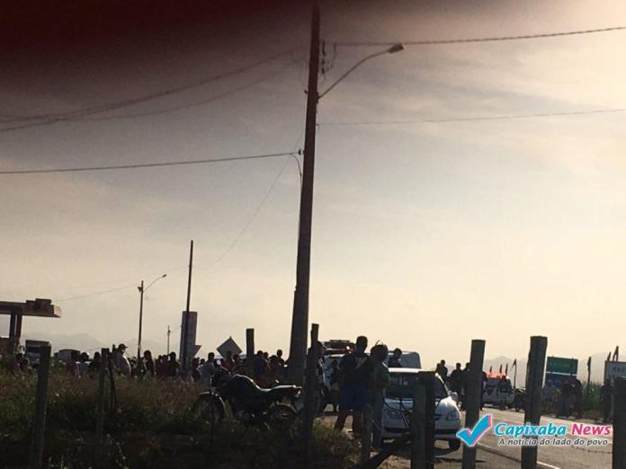 Acidente em Itapemirim envolve três veículos e uma pessoa morre no local