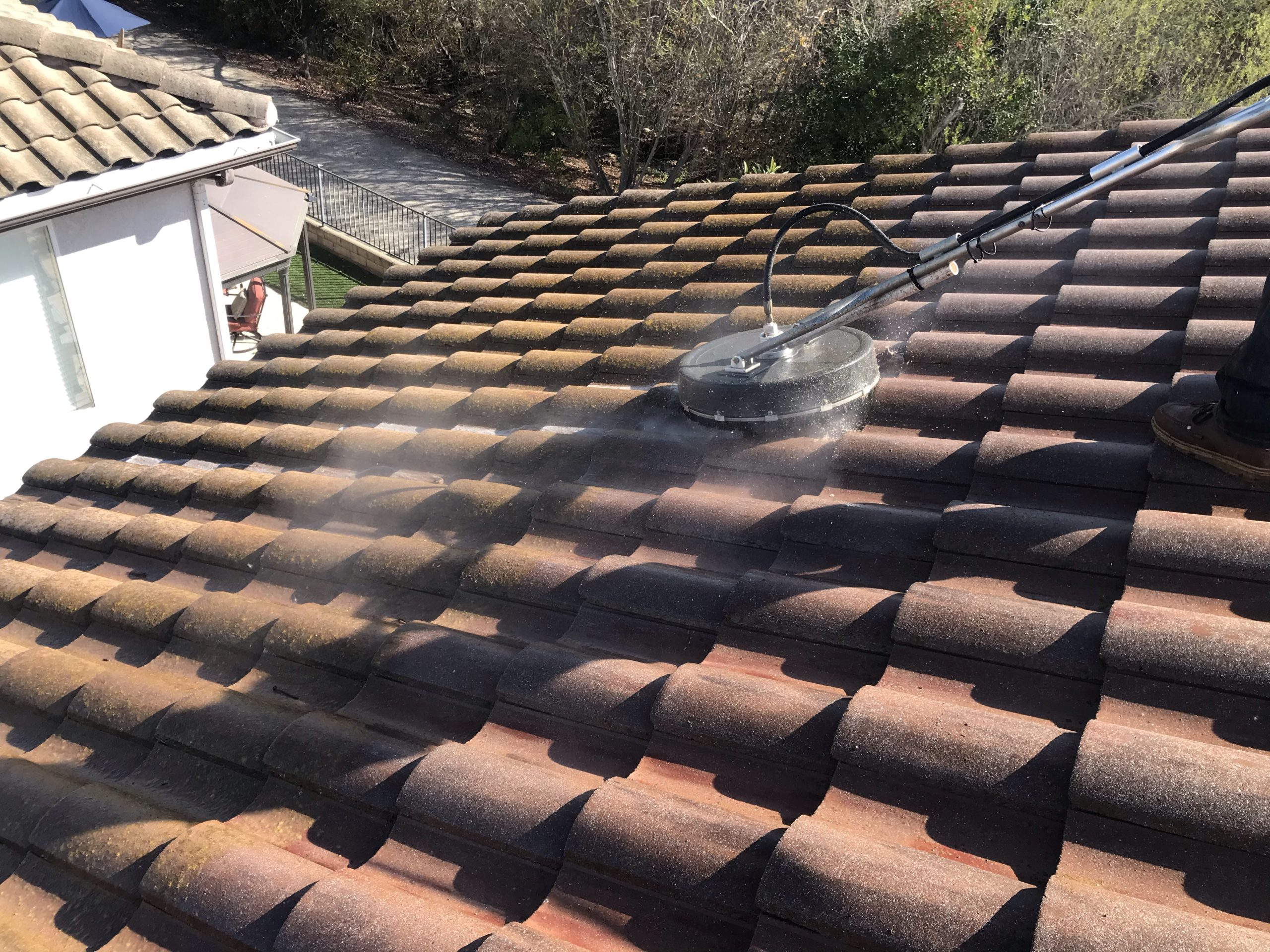 tile roof cleaning in newbury park