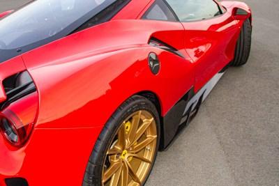 FerrariPista_Carbon_5_800_0420