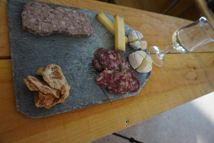 Saint Patrick - Aveize - Bar à vins - Bar à bière - Planches de dégustation - Feu d'artifice