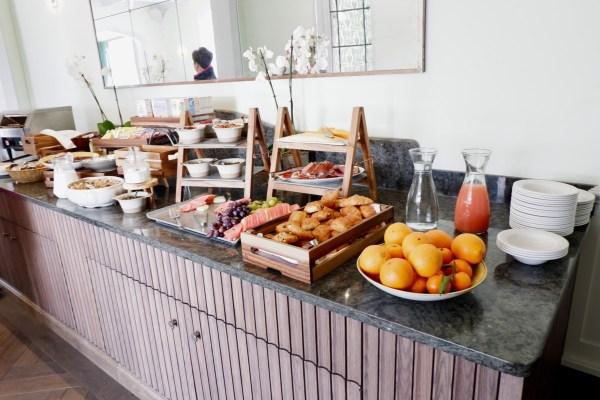 breakfast foxhills hotel