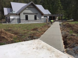 concrete-walkway-stillwood-chilliwack-3