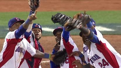 If their countrymen don't hold their grown, Dominican amateurs may soon have to suffer the slings and arrows of an international draft. (Photo: AP)