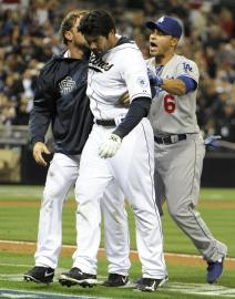 For how long will Carlos Quentin be restrained by a suspension? (Photo: AP)