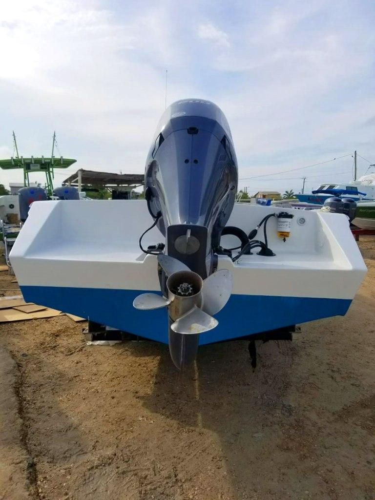 Wahoo 28ft Boat - Turneffe Island Resort