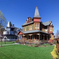 1887 Restored Queen Anne Victorian In York Pennsylvania