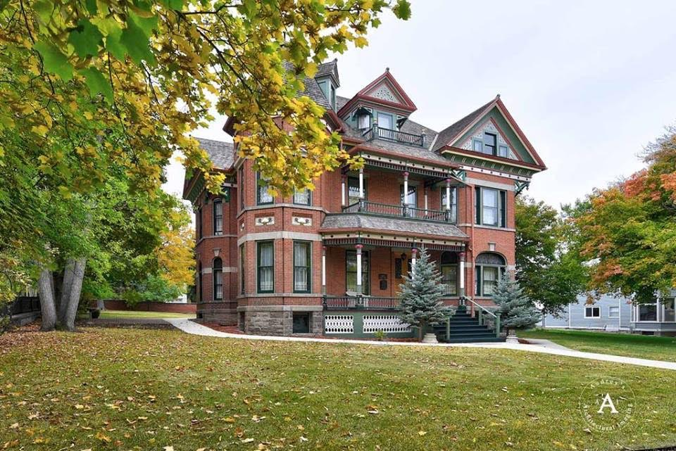 1887 Kohrs Mansion For Sale In Helena Montana Captivating Houses