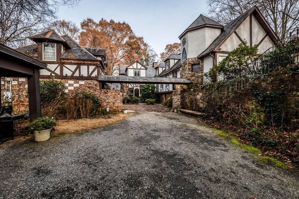 Super 1922 Estate On 13 Acres For Sale In Knoxville Tennessee Home Interior And Landscaping Oversignezvosmurscom