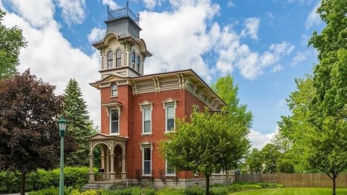 Price Range Archives — Captivating Houses