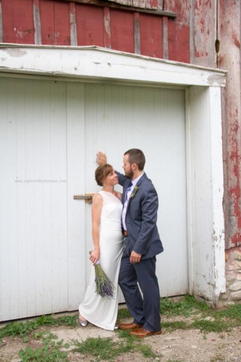 bride groom kiss portrait barn, LeRoy Oakes St Charles