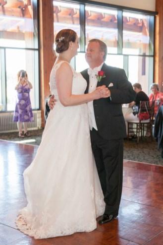 bride groom first dance