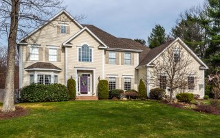 18 Blueberry Ln, Canton, CT 06019