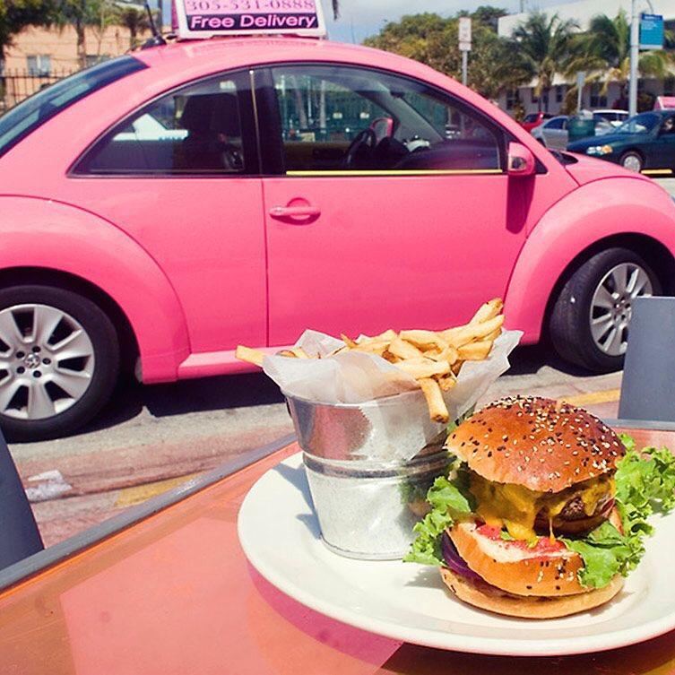 Burger Miami - Big pink