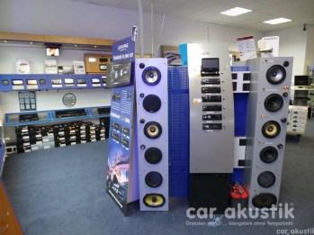 Radios und Lautsprecher vorführbereit