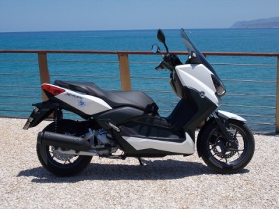 Rent a scooter Stalis, Stalis scooter hire - roller vermietung Kreta