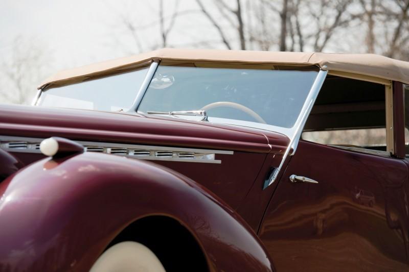 1940 Packard Custom Super Eight Convertible Sedan by Darrin 11
