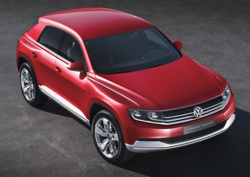 2011 Volkswagen Cross Coupe SUV Concept 17