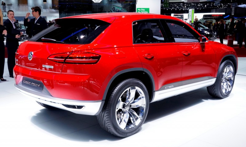 2011 Volkswagen Cross Coupe SUV Concept 7