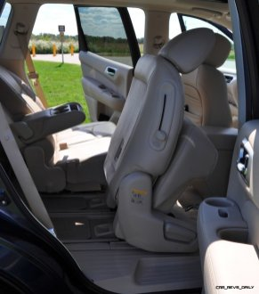 2014 Nissan Pathfinder Platinum Inside and Out19