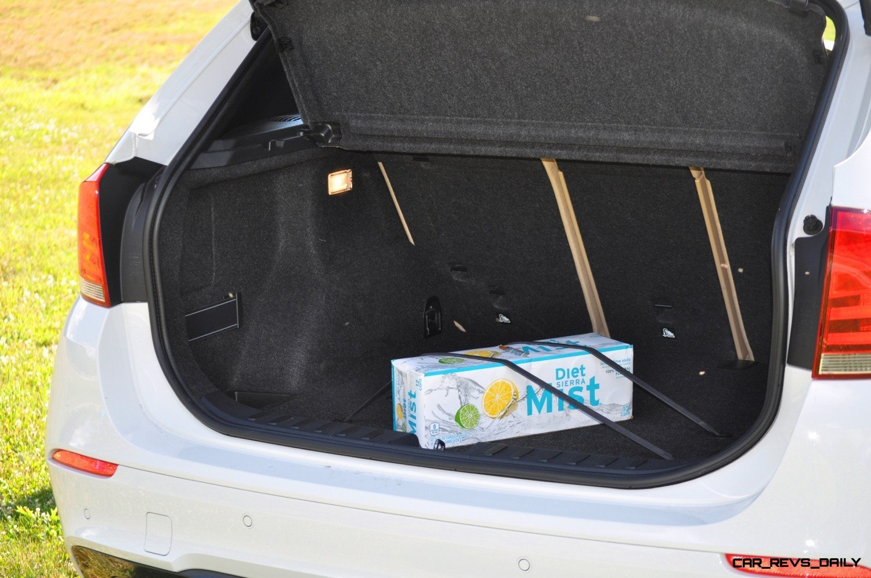 BMW X1 sDrive28i M Sport - Alpine White in 60 High-Res Photos14