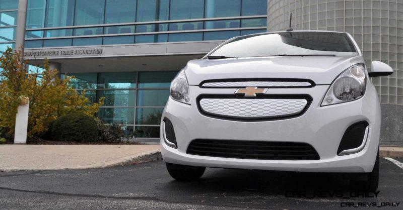CarRevsDaily.com - 2014 Chevrolet Spark EV First Photos4