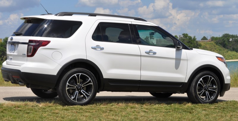 Ford Explorer Sport - Photo Showcase7