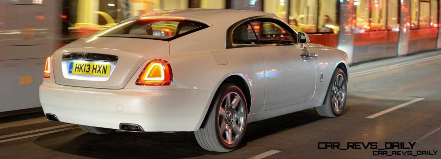RR Wraith Carrara White Color Showcase CarRevsDaily26