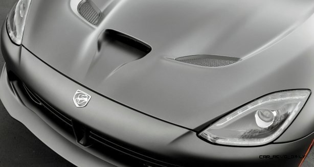 2014 SRT Viper Brings Hot New Styles and Three New Colors8