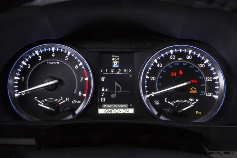 CarRevsDaily - 2014 Toyota Highlander Interior Photo22