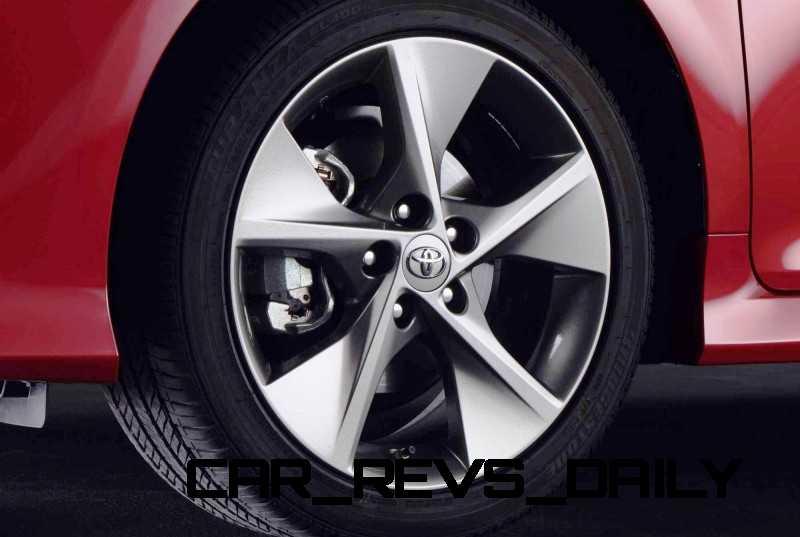 CarRevsDaily.com - 2014.5 Toyota Camry SE Buyers Guide 54