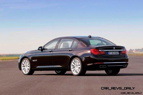 Celebrating the Evolution of the V12 BMW 7-series 62