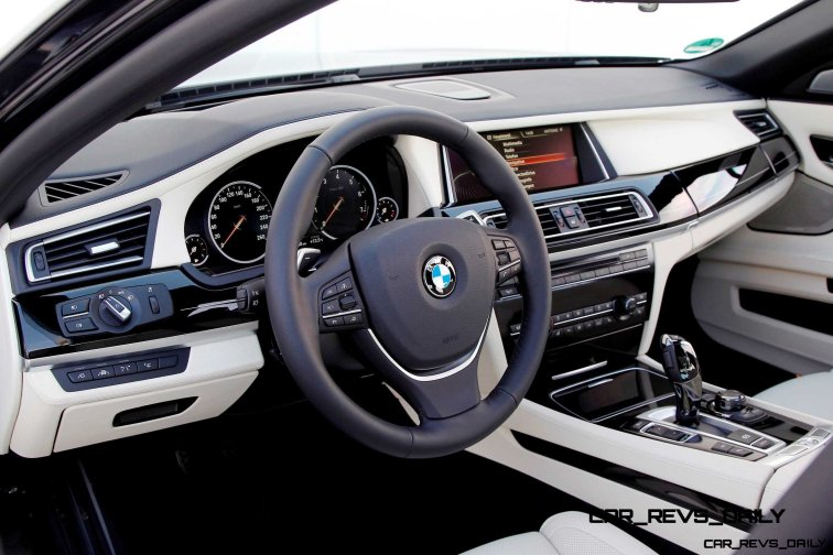 Celebrating the Evolution of the V12 BMW 7-series 64