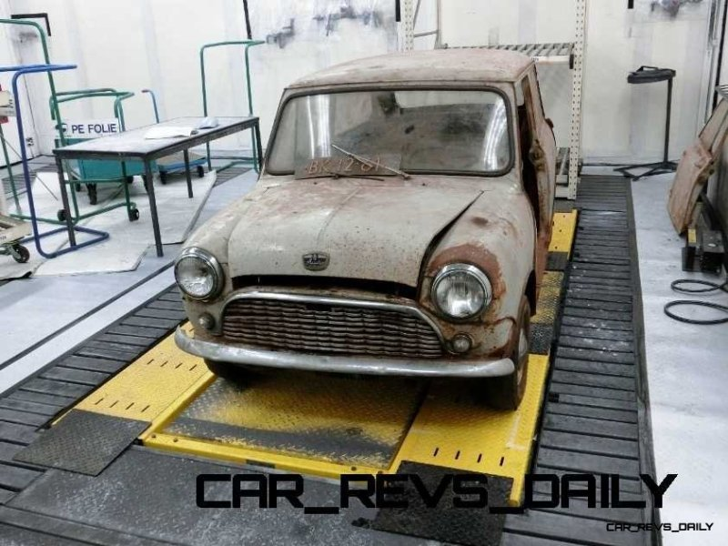 Timelapse - 1961 MINI Drops 54 Years in 54 Seconds 12