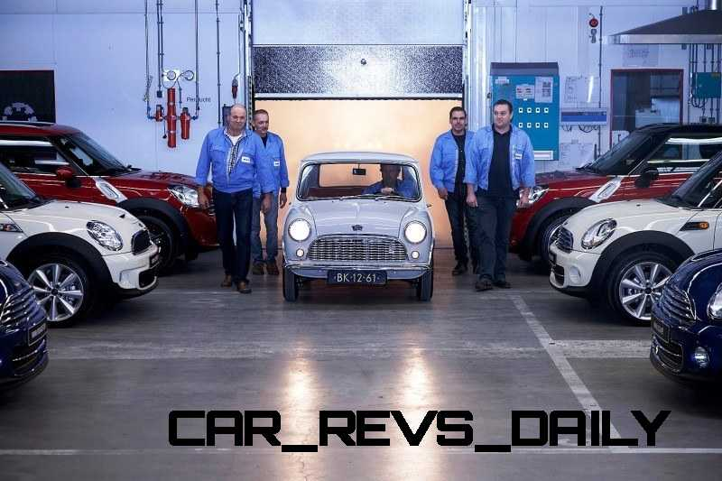 Timelapse - 1961 MINI Drops 54 Years in 54 Seconds 54