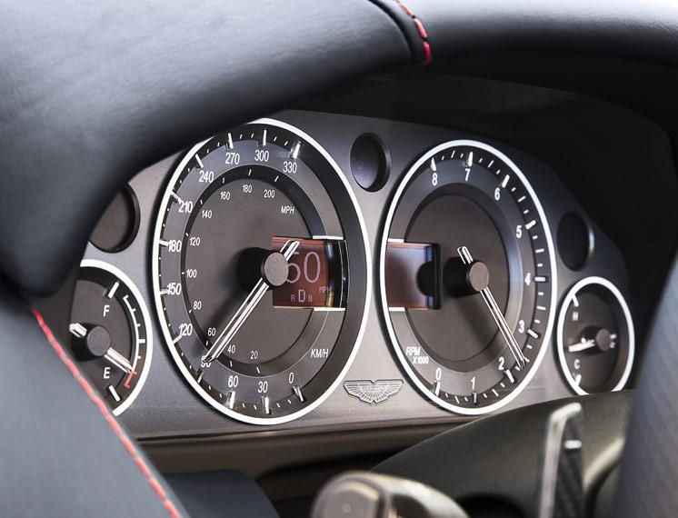 2014 Aston Martin V12 Vantage S Roadster 14