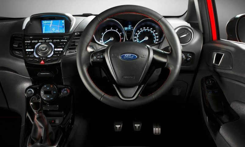 2014 Ford Fiesta Red Edition and Fiesta Black Edition Announced for UK 3