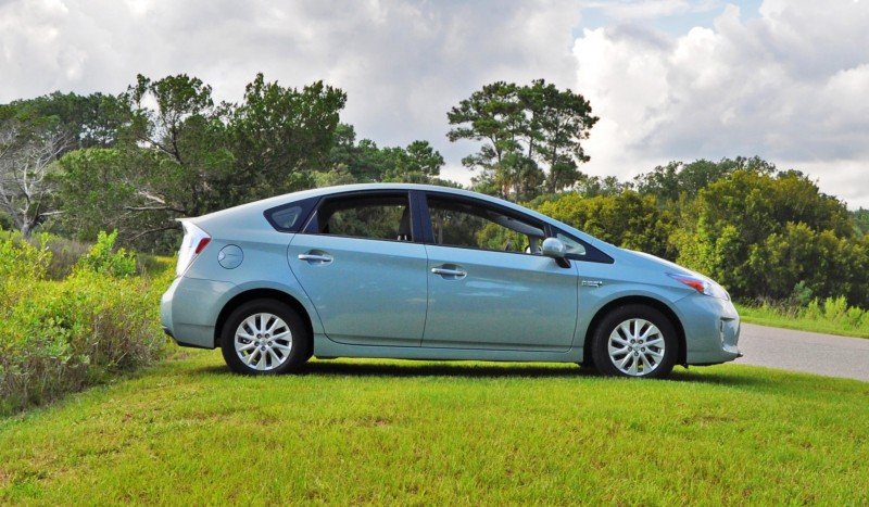 2014 Toyota Prius Plug-in Hybrid 12