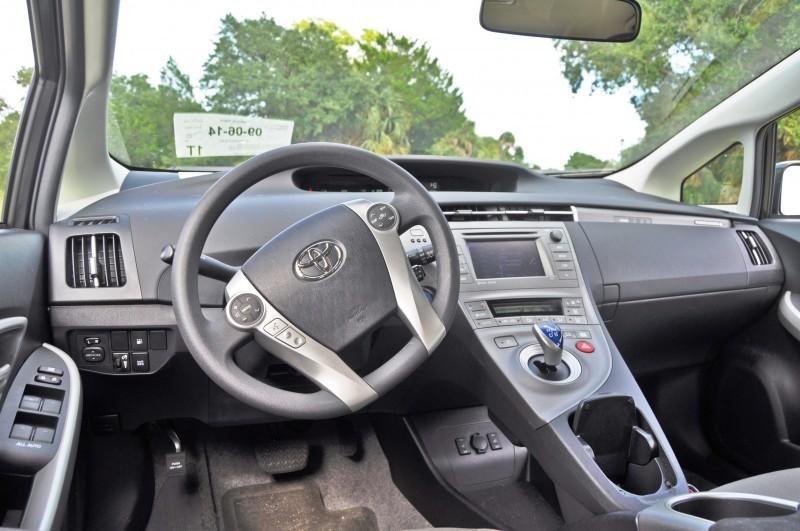 2014 Toyota Prius Plug-in Hybrid 44