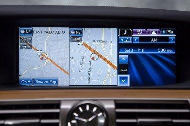 2013_Lexus_LS600h_L_Interior_010