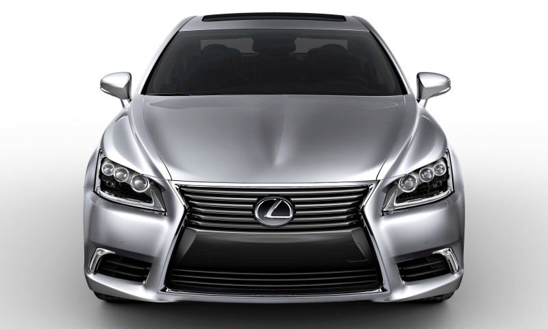2013_Lexus_LS_460_001_99C75E167711B1A844C91E276E59E73B5BF13401