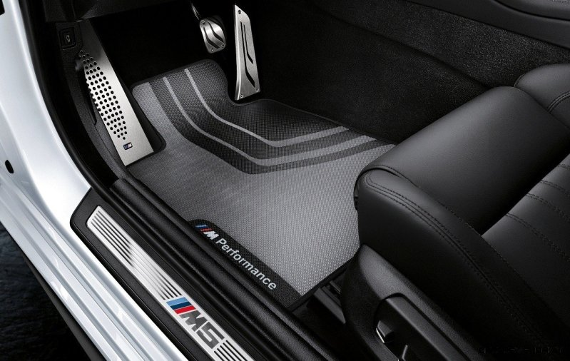 M Performance Catalog Offers Hundreds of Ways to Up the Drama and Road Presence of 335i, 535i, M3 and even the X5 and X6 62